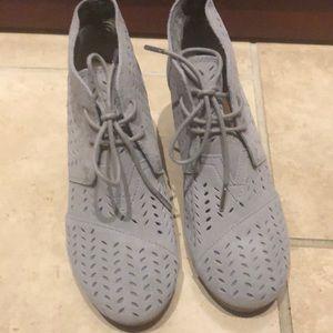 Women's Tom's gray wedge/boot